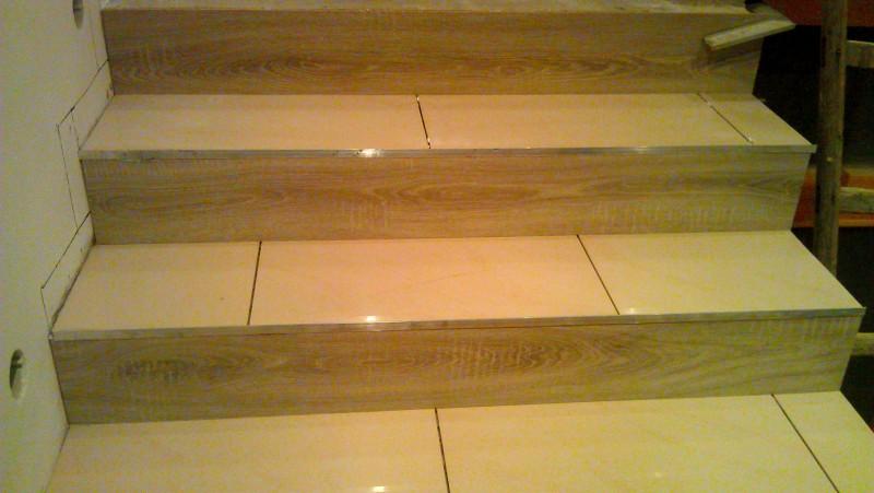 Pokládka dlažby na schodiště: img00081-jpg