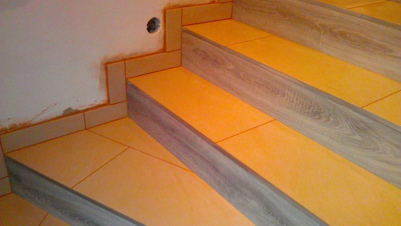Pokládka dlažby na schodiště: img00088-jpg