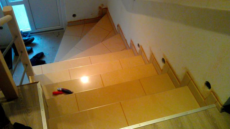 Pokládka dlažby na schodiště: img00089-jpg