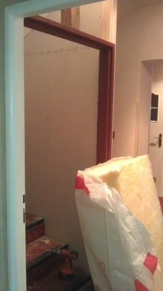 Oddělení (zateplení) schodiště: img00207-jpg